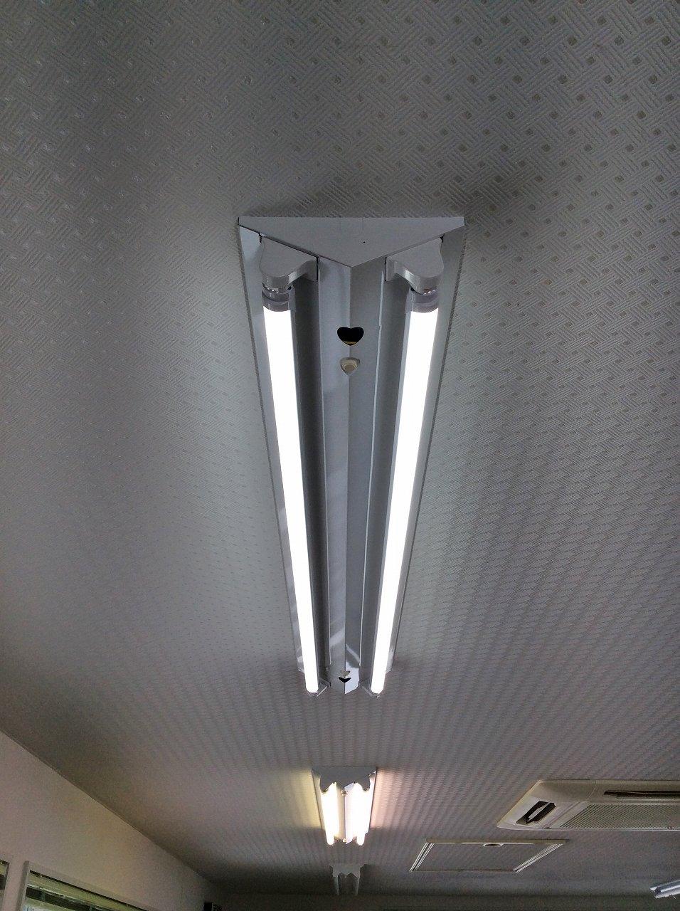 天井照明を一部LED化しました