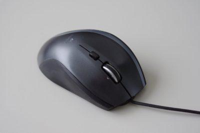 ロジクール製の重くて大きいマウス