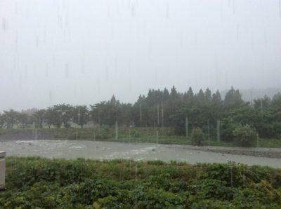 新潟県南魚沼市は激しい雷雨になっています